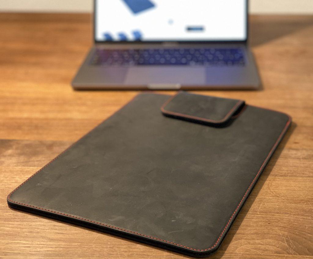 """germanmade. Lederhülle für das MacBook Pro 13"""""""