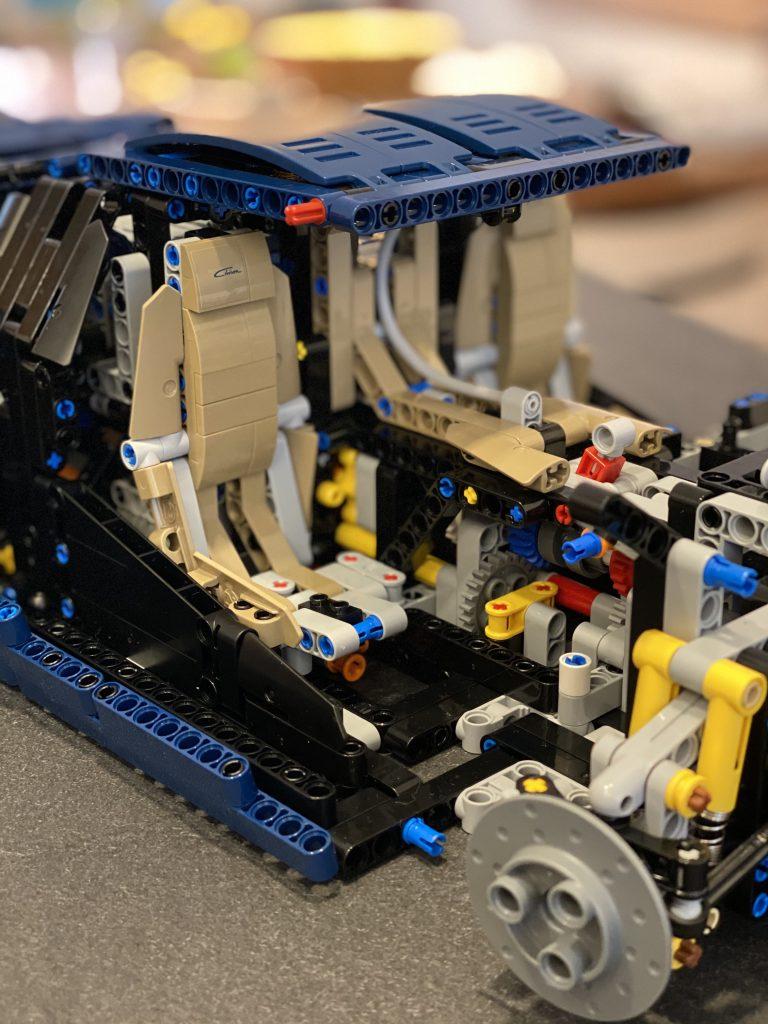 Lego Bugatti Chiron - Bau des Cockpits