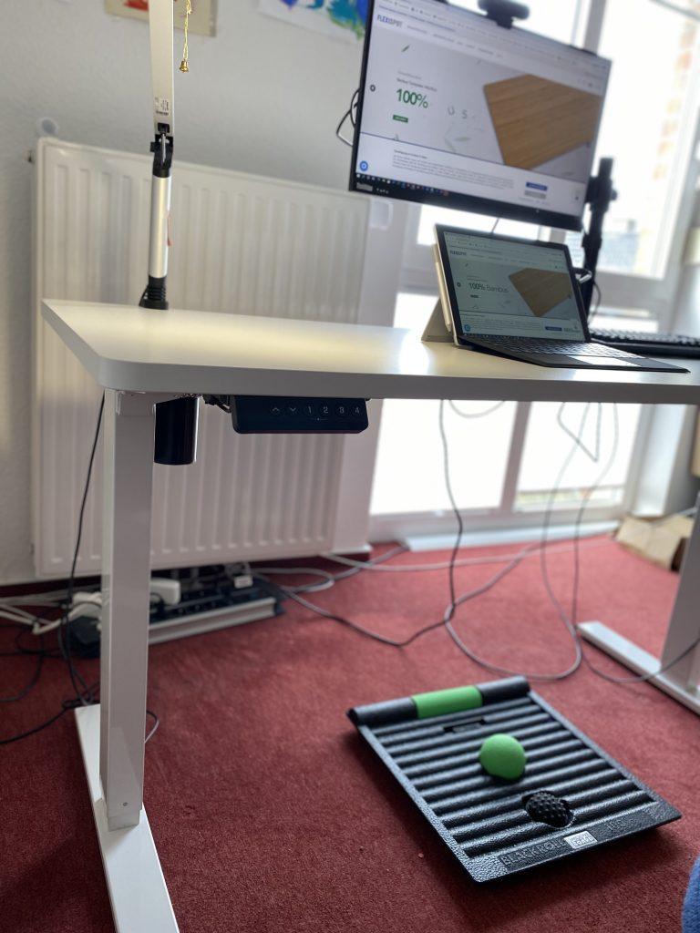 EF1 - Höhenverstellbarer Schreibtisch von FlexiSpot